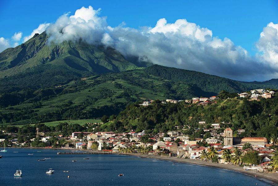 9 Martinique