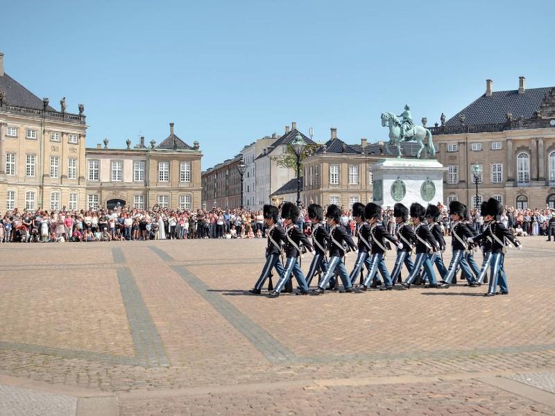 Amalienborg vagtskifte