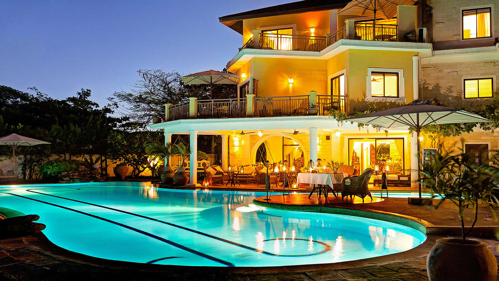 Afrochic resort diani
